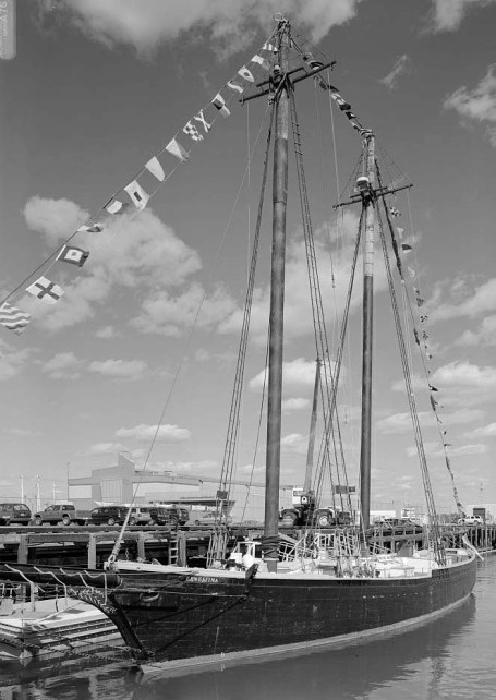 ERNESTINE at the New Bedford Whaling NHP State Pier, New Bedford, Massachusetts, 2007. Photo by James W. Rosenthal